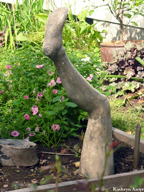 17-garlicdaygarden