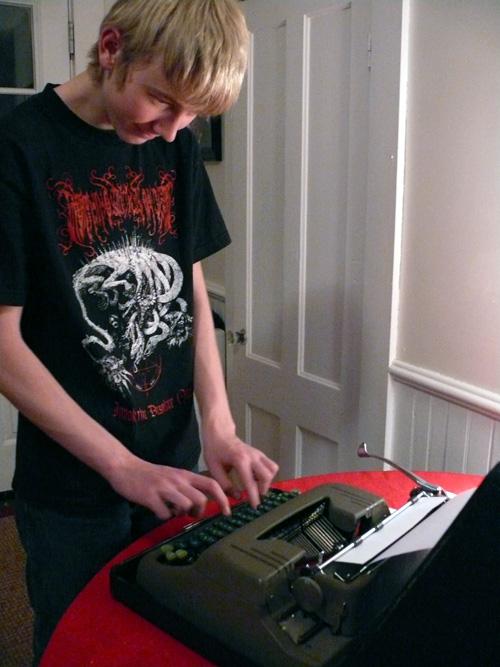 Loki-typewriter