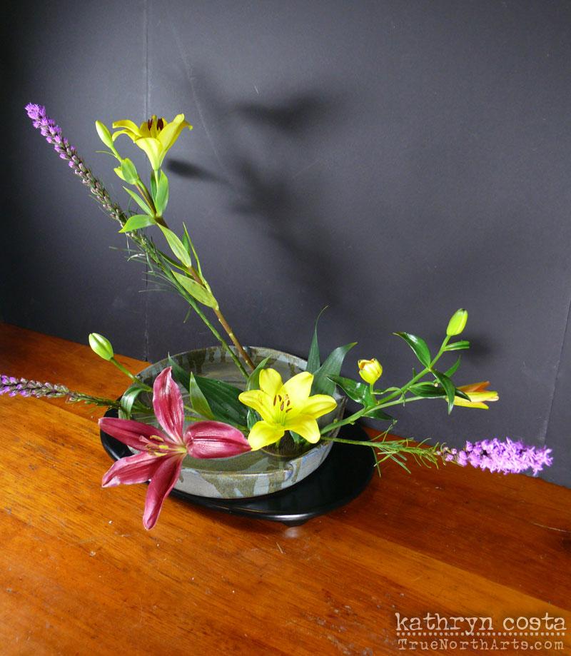 2-Ikebana-Lillies